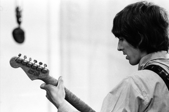 revolver_george_harrison_with_his_guitar