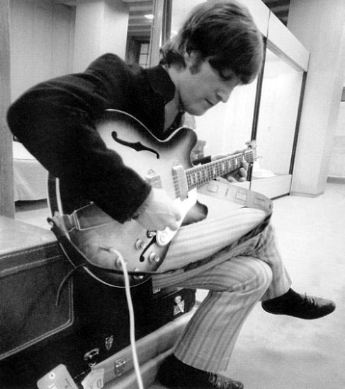 revolver_john_lennon_wearing_stripey_trousers