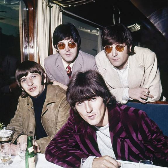 revolver_the_beatles_on_a_train